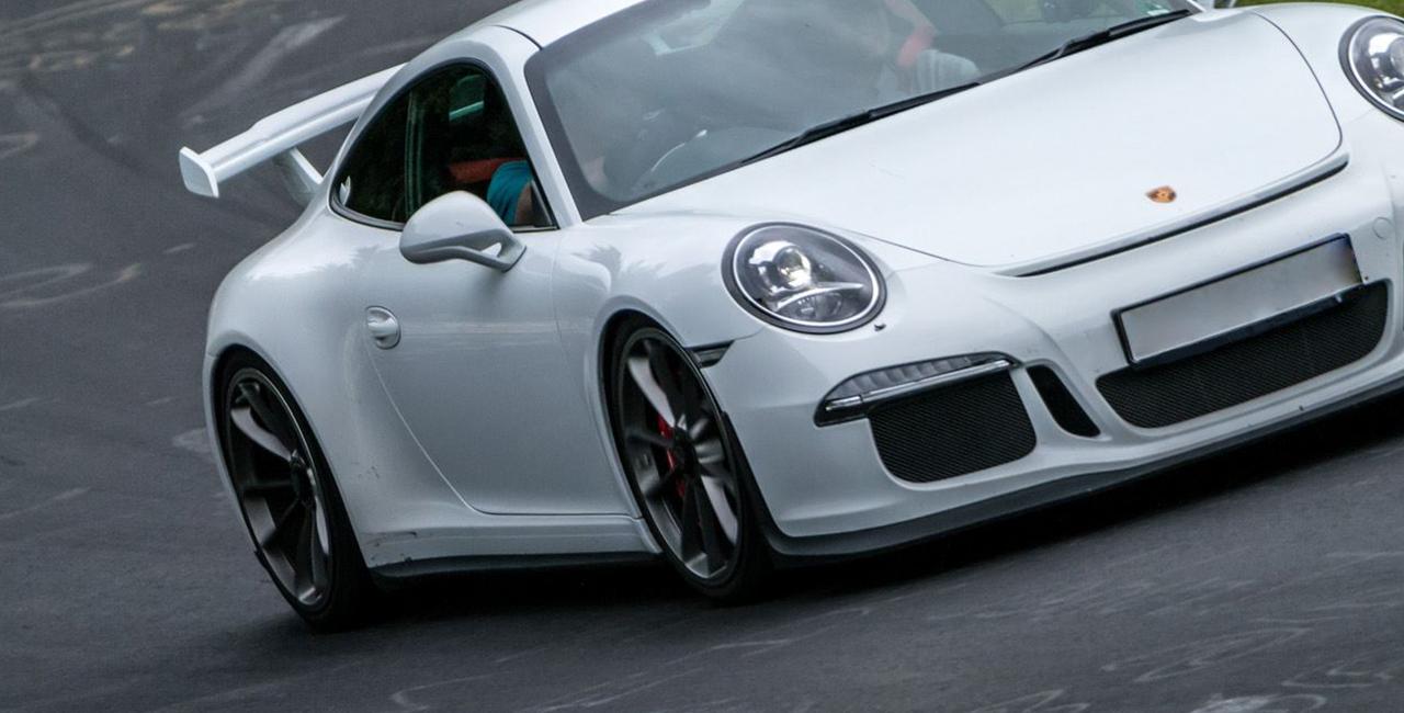 8 Runden Porsche GT3 selber fahren auf dem Circuit Zolder