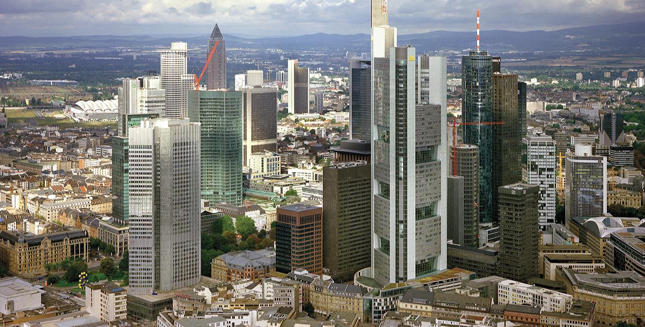 30 Min. Hubschrauber Rundflug über Frankfurt ab Frankfurt-Egelsbach