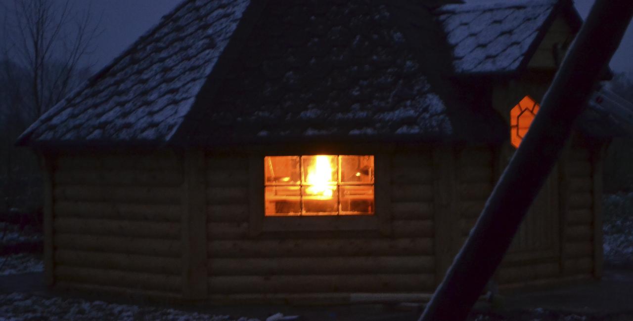 Übernachtung in einer finnischen Kota in Neustadt am Rübenberge