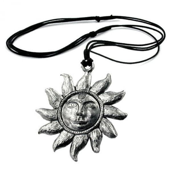 Kette, Zinn, große Sonne mit Gesicht